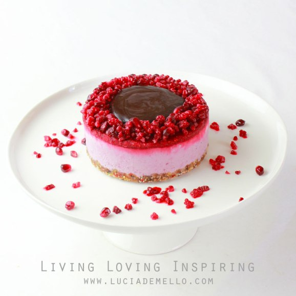 RAW Pomegranate and Raspberry Jam CHEESECAKE ♥